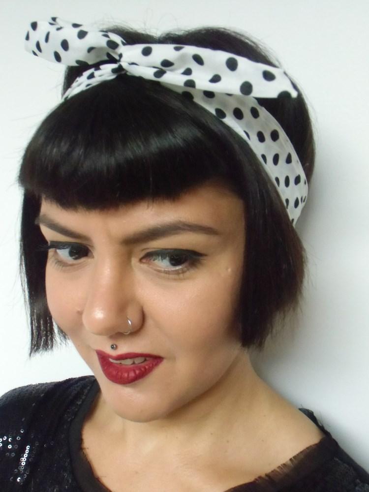 quality design save off pre order Bandeau à cheveux rigide blanc à pois