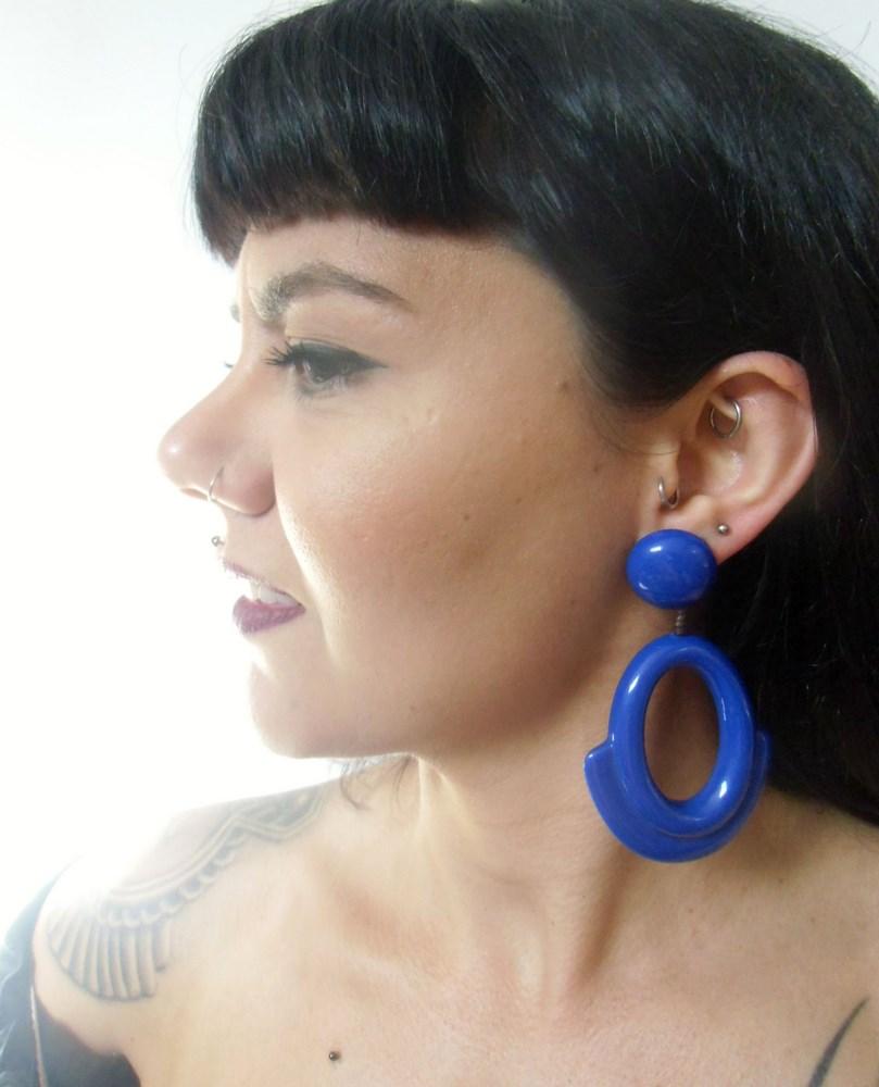 boucles d'oreilles ovales rétro vintage résine bleue