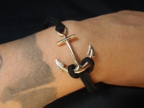"Bracelet cordon et métal ancre marine ""Pin-up anchor"""