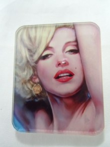 Broche plastique originale portrait Marilyn Monroe pop
