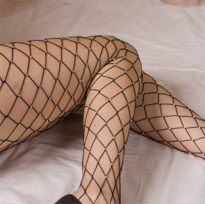 Collants en large résille noire à strass transparents