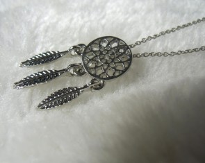 Collier dreamcatcher attrape-rêve argenté