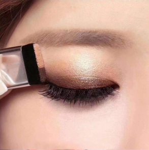 Palette 2 couleurs beige marron smokey eyes facile