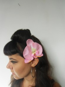 pince clip cheveux fleur d 39 orchid e rose p le. Black Bedroom Furniture Sets. Home Design Ideas