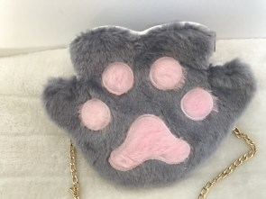Sac à main patte de chat grise en peluche
