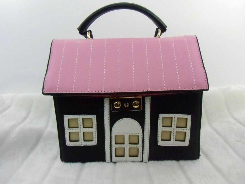sac main original forme maison rose et noire. Black Bedroom Furniture Sets. Home Design Ideas