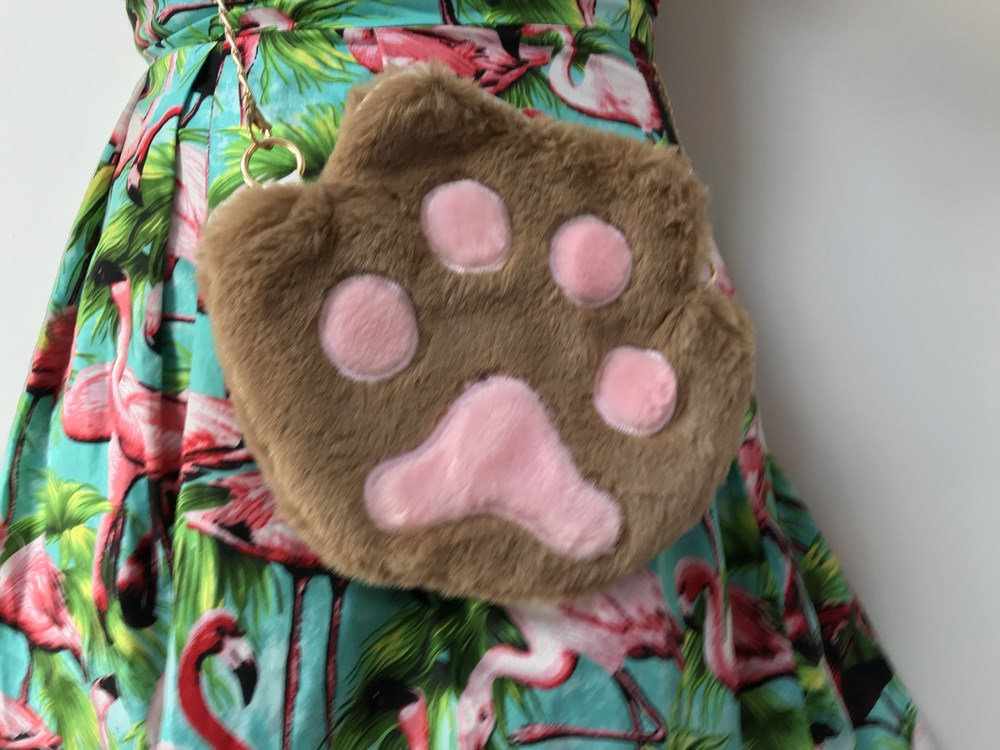 Sac à main patte de chat marron en peluche