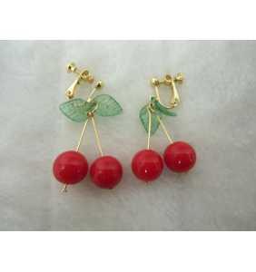 """Boucles d'oreilles cerises pour oreilles non-percées """"Classy cherries"""""""