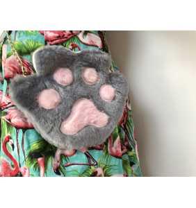 """Sac à main patte de chat grise en peluche """"Grey cat paw"""""""